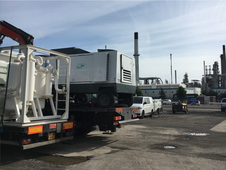 GenAir hires diesel mobile compressors and desiccant dryers to a Lincolnshire refinery